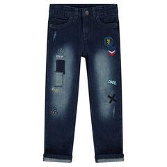 Jeans droit effet used avec badges fantaisie