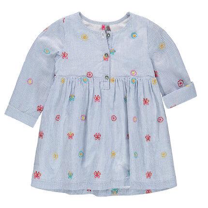 Robe manches courtes style chemise à fines rayures et motifs brodés