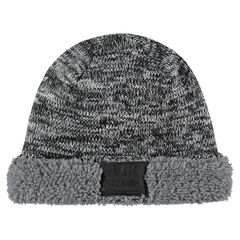 Bonnet en tricot twisté avec doublure en sherpa et badge