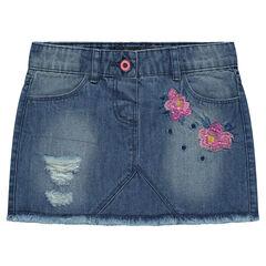 Jupe courte en jeans bleach effet used avec fleurs brodées