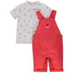 Ensemble chemise manches courtes rayée et salopette rouge