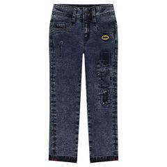 Jeans droit effet délavé avec badge ©Warner Batman