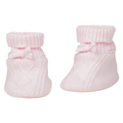 Chaussons naissance en tricot avec noeud