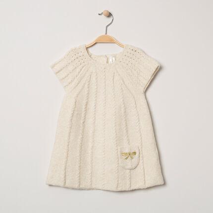 Robe en tricot à torsades et poche