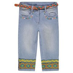 Pantacourt en jeans effet used avec ceinture tressée