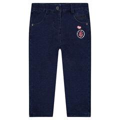 Jeans en molleton effet used avec badges brodés