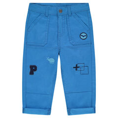 Pantalon en twill avec badges patchés et broderies