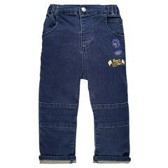 Pantalon en molleton effet jeans avec badges patchés
