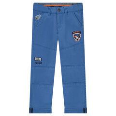 Pantalon uni bleu avec badges patchés