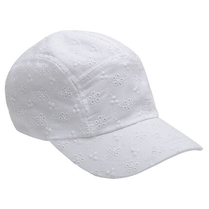 Casquette en broderie anglaise