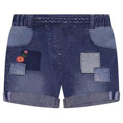 Short en jeans effet used et broderies colorées
