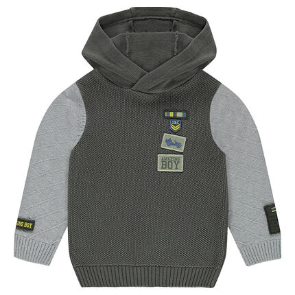 Pull à capuche en tricot fantaisie avec badges patchés