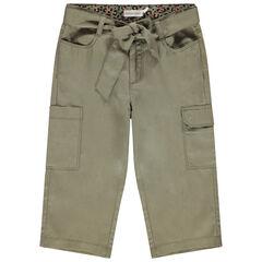 Pantacourt kaki à poches et ceinture à nouer
