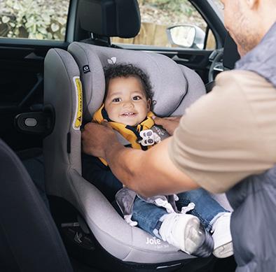 Comment préparer un long trajet en voiture avec bébé ?